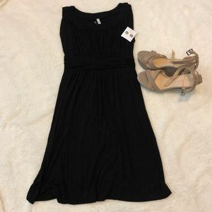 Gilli Black Dress